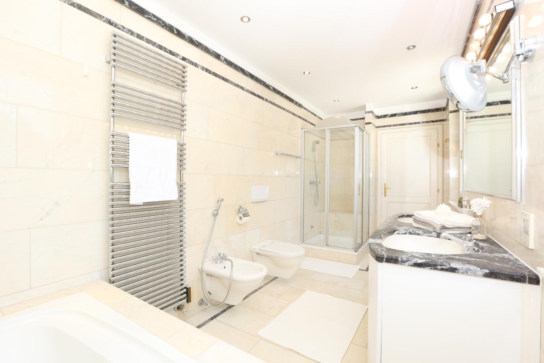 Badezimmer. Homestaging Home Staging Home Styling Einrichtung Design  Raumgestaltung Einrichten